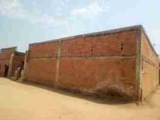 Clôturé 5 portes/Pièces à vendre à Jabe, Bujumbura
