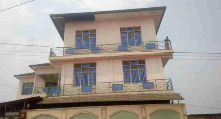 18 Rooms Multi-purpose house for sale in Mutakura